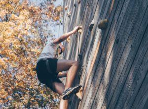 Co warto wiedzieć o ściance wspinaczkowej?